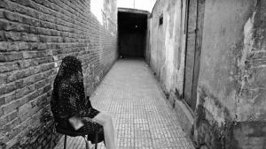 Eine Gasse in Shahreno, dem Viertel der Prostituierten in Teheran vor 1980; Quelle: ROUYDAD24.IR