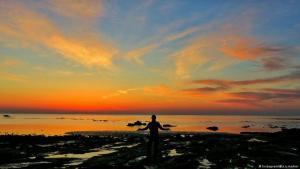 Über der Insel Hormuz im Persischen Golf geht die Sonne auf (Foto: Instagram)