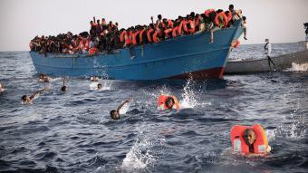 Rettung von Flüchtlingen aus dem Mittelmeer; Foto: picture alliance/AP Photo/E. Morenatti