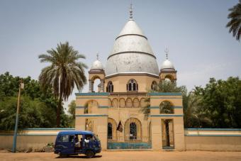 """Das Grab von Mohammad Ahmad in Omdurman nahe Khartoum in Sudan. In seiner Heimat wird er nur """"Mahdi"""" (Erlöser) genannt. Er führte den Aufstand gegen die Briten an, welche Sudan bis 1956 beherrschten."""