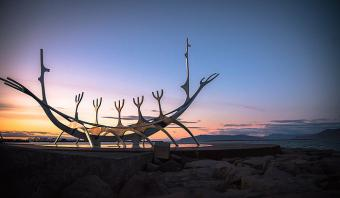 "Skulptur ""Sólfar"" von Jón Gunnar Àrnason in Reykjavík, Foto: Matt Lamers (CC0 1.0), via Unsplash"