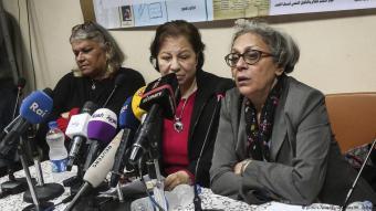 Die Leiterin der Klinik für Psychologie am Nadeem-Zentrum, Mona Hamed und die drei Gründerinnen Aida Seif al-Dawal, Magda Adly und Suzan Fayad (von links nach rechts); Foto: Amnesty International