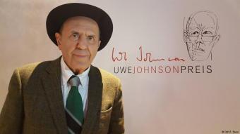 Javad Mojabi während der Verleihung des Uwe-Johnson-Preises; Foto: DW/F. Payar