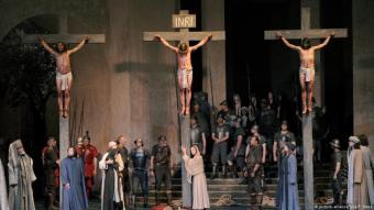 Novum bei den Passionsspielen: Muslim verkörpert Apostel. picture alliance / dpa. T.Hasse