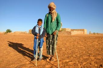 Wo der Maghreb auf Subsahara-Afrika trifft: Mauretaniens Bevölkerung besteht aus einer vielfältigen Mischung arabischer Berber und afrikanischer Stämme – die Harratin, Fulani, Wolof, Soninke und Toucouleur.