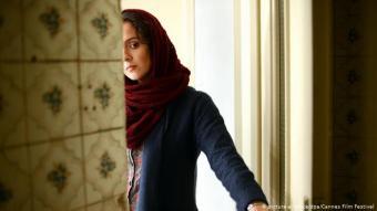 """Asghar Farhadi: Er ist einer der wenigen Regisseure, die zweimal den Oscar für den besten ausländischen Film gewonnen haben: 2012 für """"Nader und Simin - Eine Trennung"""" und 2017 für """"The Salesman"""" (Foto). Asghar Farhadi boykottierte die zweite Zeremonie, die kurz nach einem Dekret des US-Präsidenten Donald Trump stattfand, das Bürgern aus sieben muslimischen Ländern die Einreise in die USA verwehrte."""
