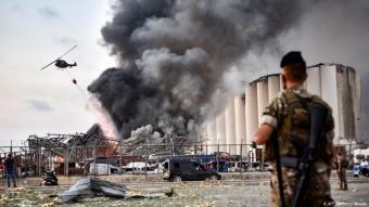 Beirut / Libanon Die Löscharbeiten dauerten am Dienstag nach der Explosion an Foto AFP via Getty Images