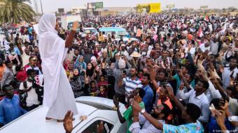 Die Sudanesin Alaa Salah wurde zur Symbolfigur der sudanesischen Revolution