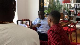 """""""Politiker ohne Personenschutz"""": DW-Interview mit SPD-Politiker Karamba Diabyin Halle (Saale)"""