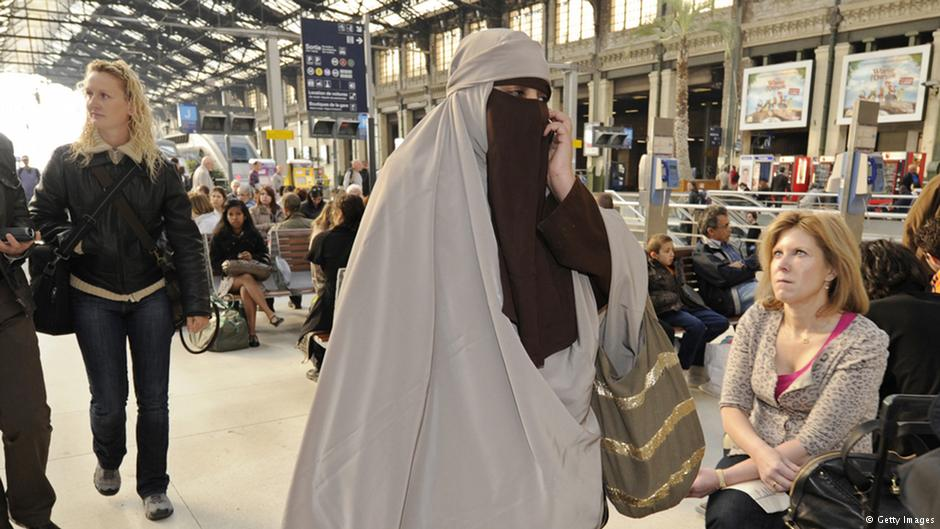 burka essay Should the burka be banned in the uk the burka is a muslim garment loosely covering the entire body, leaving a mesh cloth for the eyes it is worn in.